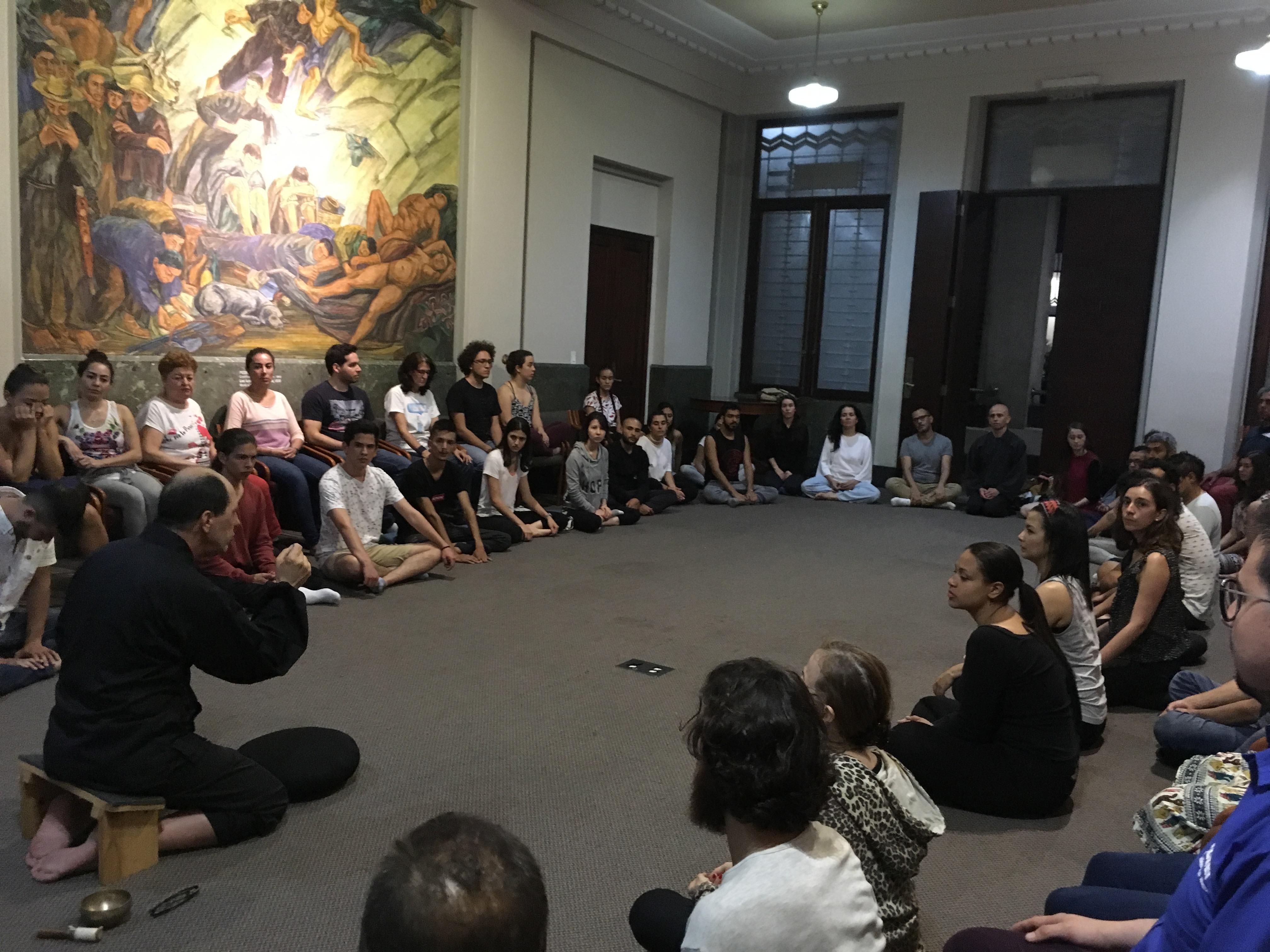 MEDITACIÓN EN EL MUSEO DE ANTIOQUIA